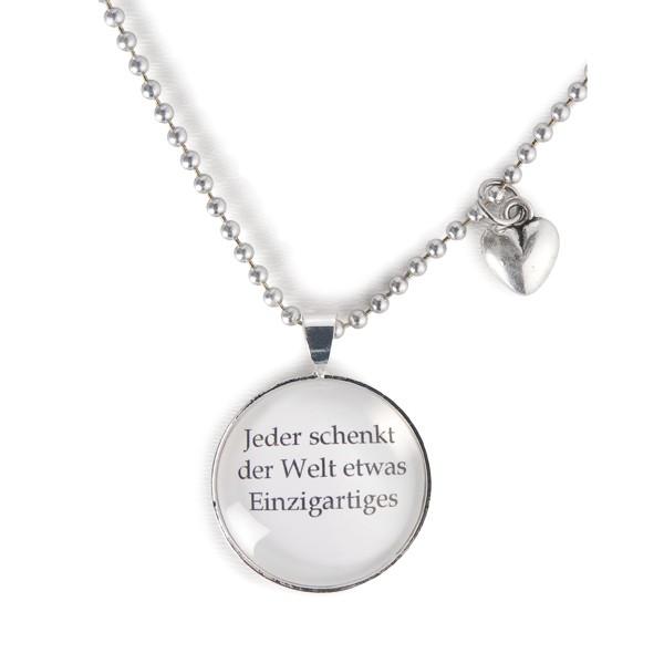 """Spruchkette """"Jeder schenkt der Welt etwas Einzigartiges"""""""